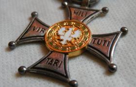Krzyz Virtuti Militari